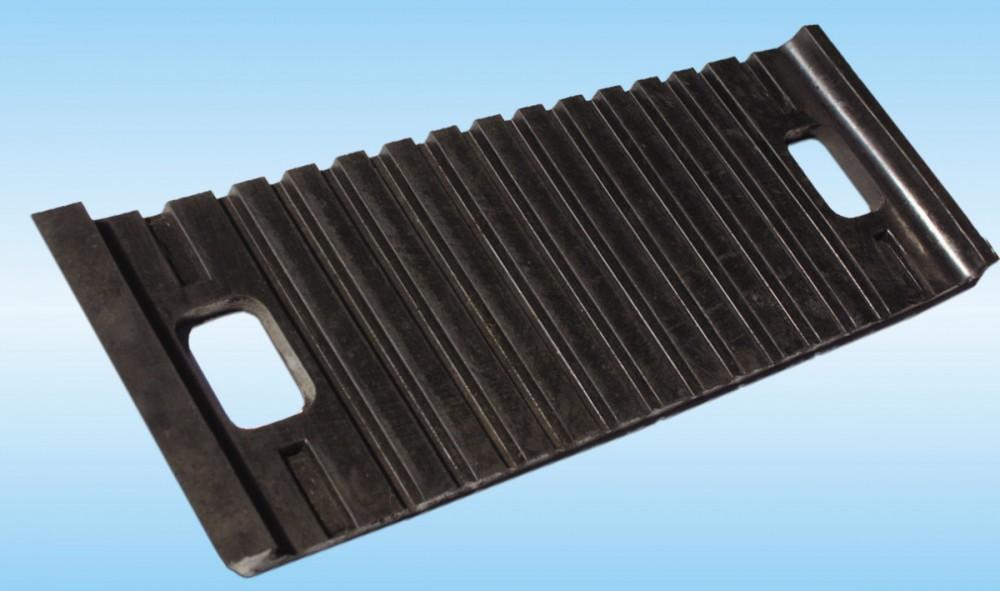 Прокладки резиновые нашпальные для железобетонных шпал ТУ РБ 700069297.009-2001, фото